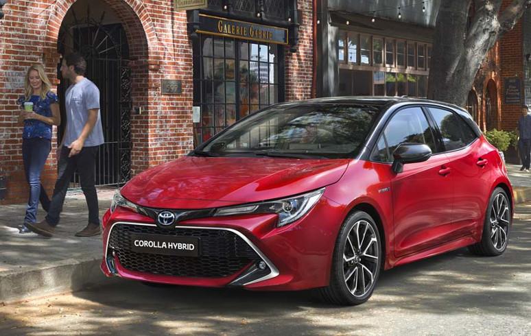 Toyota Corolla Hatchback € 1250 ,- High Power Hybrid voordeel