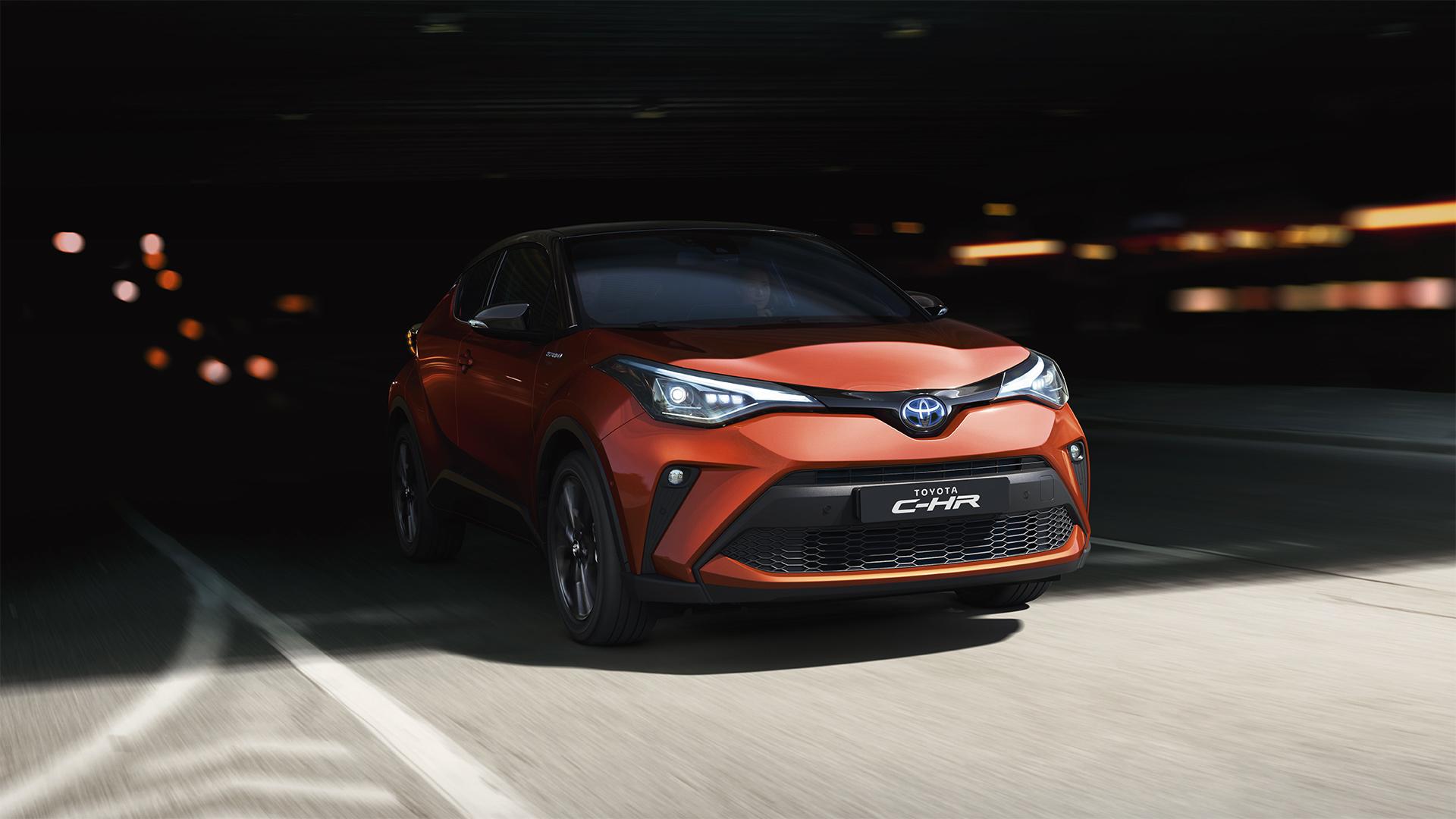 Toyota-c-hr-2019-gallery-001-full tcm-22-1776324