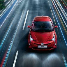 Toyota-Prius-2015-exterior-tme-006-a-full tcm-22-590362
