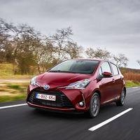 114-Toyota-Yaris-Hybrid-2017