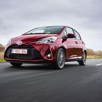 115-Toyota-Yaris-Hybrid-2017