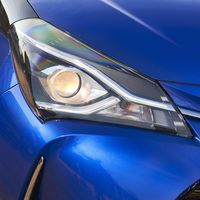 57-Toyota-Yaris-Hybrid-2017