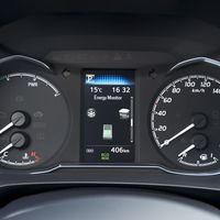 65-Toyota-Yaris-Hybrid-2017