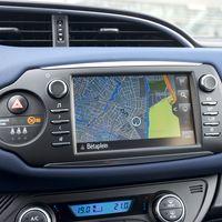 70-Toyota-Yaris-Hybrid-2017