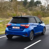 87-Toyota-Yaris-Hybrid-2017