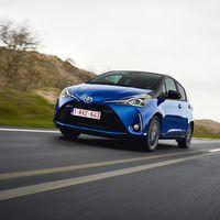 89-Toyota-Yaris-Hybrid-2017