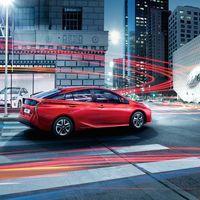 Toyota-Prius-2015-exterior-tme-008-a-full tcm-22-590367