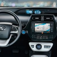 Toyota-Prius-2015-interior-tme-009-a-full tcm-22-590381