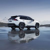 01-Toyota-RAV4-Paris-Motor-Show-2018